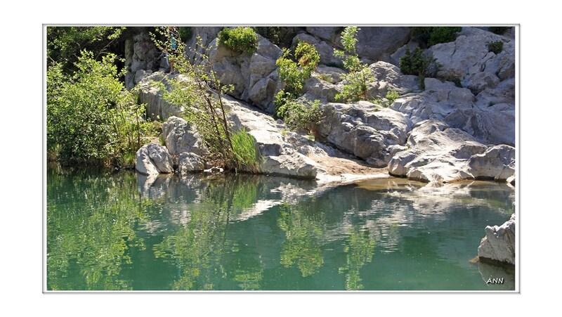 Au bord de l'eau (Tautavel-Pyrénées-Orientales)
