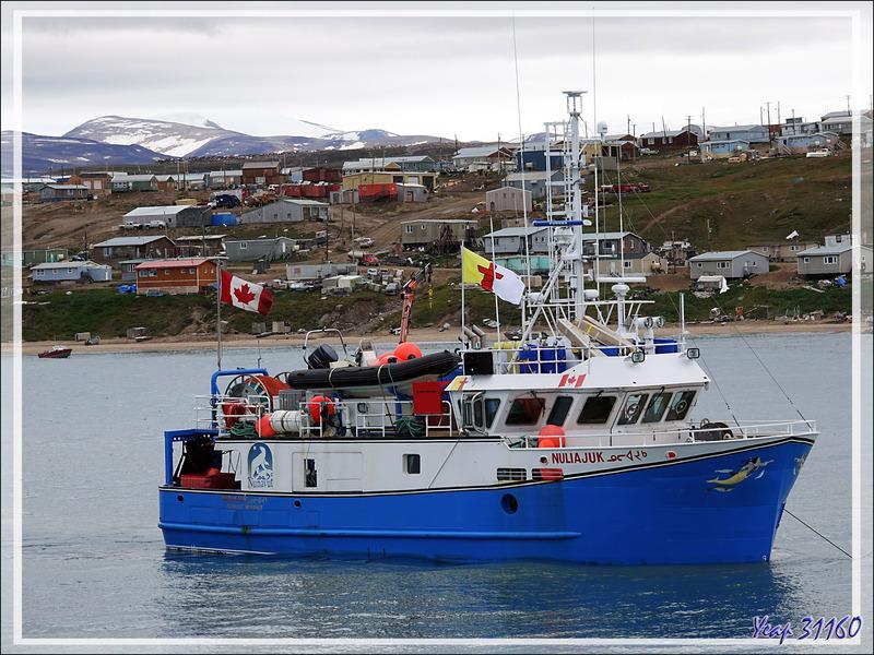 """Arrivée devant Pond Inlet, notre escale 'formalités"""" imprévue - Baffin Island - Nunavut - Canada"""