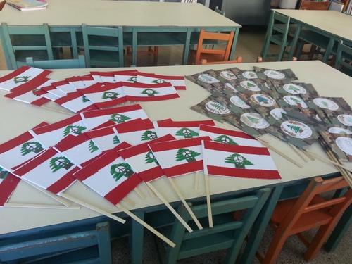fabrication du drapeau du pays du Cèdre