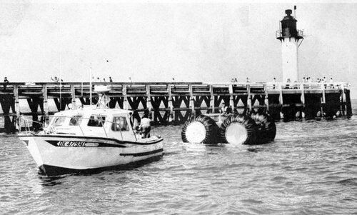 Une première en 1935, la traversée du détroit en auto amphibie