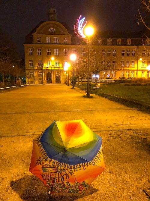 Parapluies by night