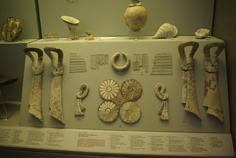 Musée archéologique - objets en ivoires - Mycenes