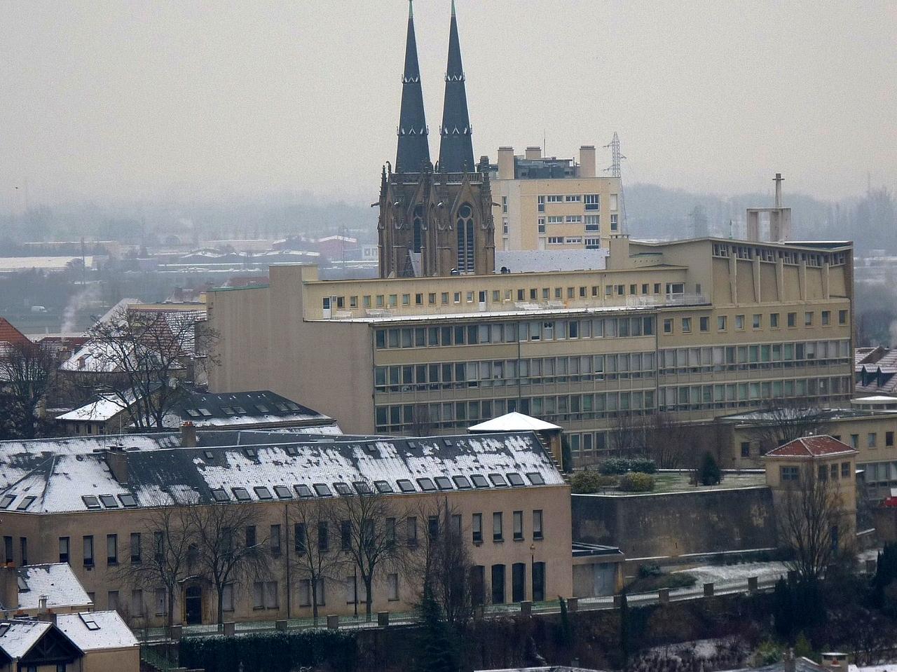 Metz au dessus du centre ville fier de vivre metz for Centre commercial grand tour sainte eulalie