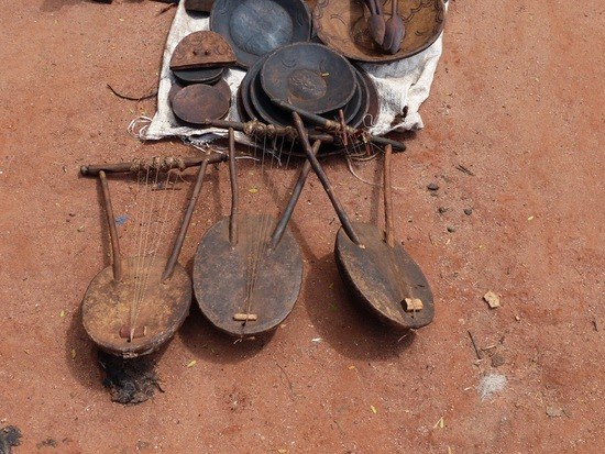 marché de Dimeka; l'artisanat hamar;