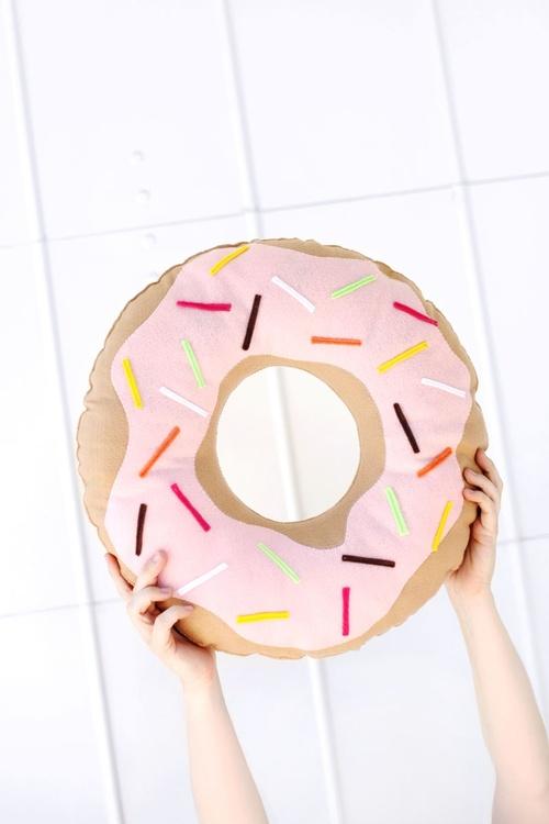 DIY nº1 : Coussin donut
