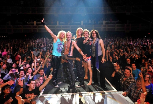 DEF LEPPARD_Band_Live