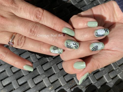 Nail art feuillage