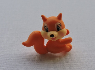 Ecureuil marron ou orange crayon