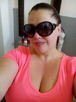 petite robe de plage rose fluo