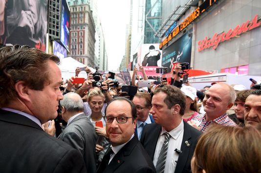 """François Hollande visitait une foire du """"French savoir-faire"""" sur Broadway à New York le 27 septembre 2015."""