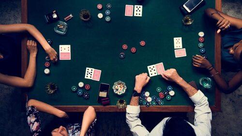 Tips Gampang Menang Bermain Judi DominoQQ Online di Poker Games