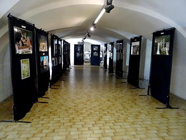 Dans le cadre  du retour des reliques de saint Bernard à Châtillon sur Seine, Jean Ponsignon a présenté une conférence et une exposition sur les Cisterciens