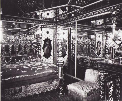 """Chambre indienne du """"Chabanais"""" 5ème étage, 12 rue Chabanais, Paris 2e"""