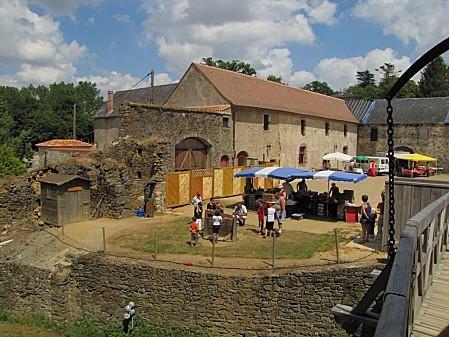 Le-Marche-Medieval-de-St-Mesmin 2781