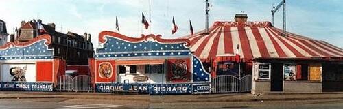 façade du cirque Jean Richard ( photo Christian Leblanc)