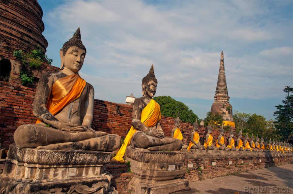 yai chai mongkol bouddhas