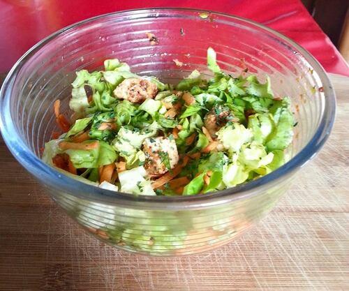 Salade au poulet pimenté