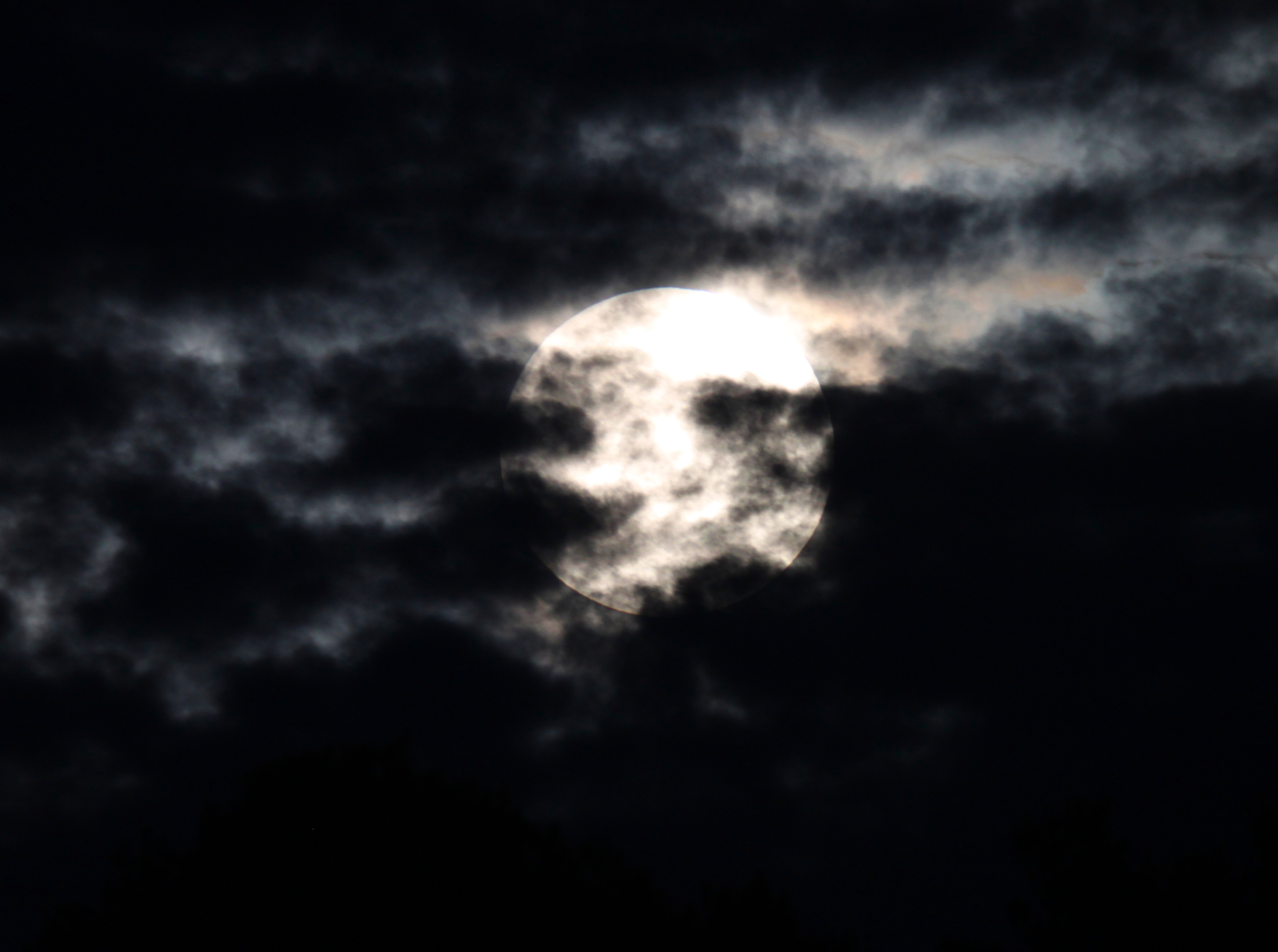 éclipse 16-09-2016 nuages