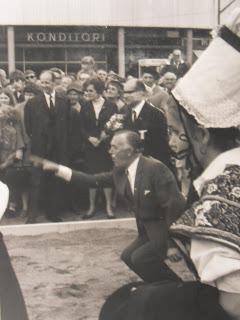 Prins Bertil med Svenska Boule spel