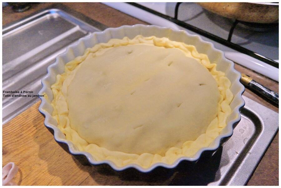 Poser la pâte feuilletée - faire quelques trous dessus