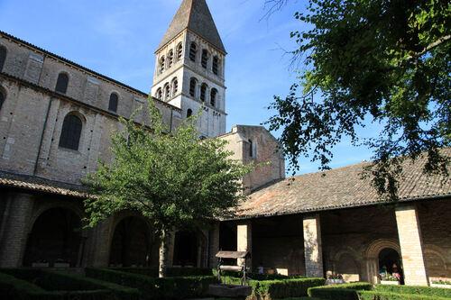 Campagne bourguignonne, Tournus