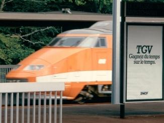 Affiche publicitaire pour le TGV
