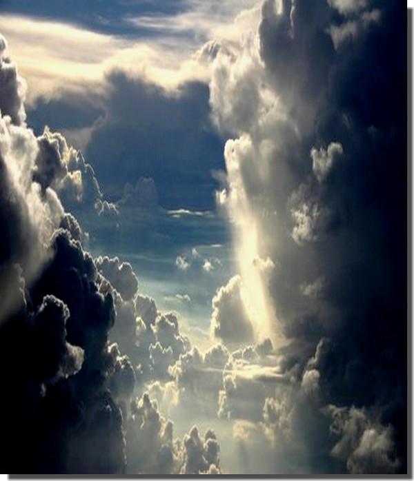 montagnes. ciel..nuages