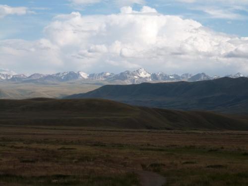Du desert aux montagnes, arrivee au Kirghizstan