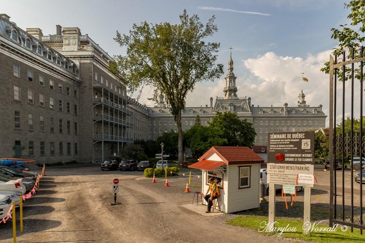 Québec : Divers bâtiments