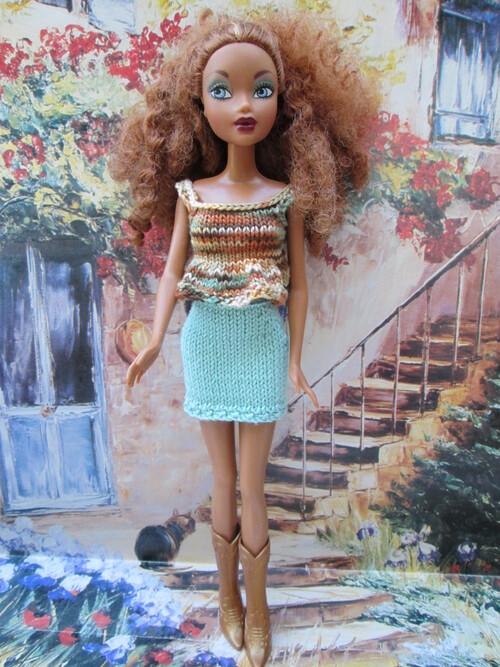 Top et jupe chamarrés pour barbie