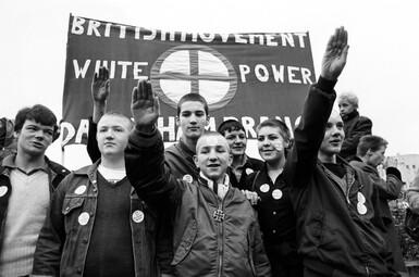 ➤ Les skinheads, et autres fascistes fabriqués de toutes pièces