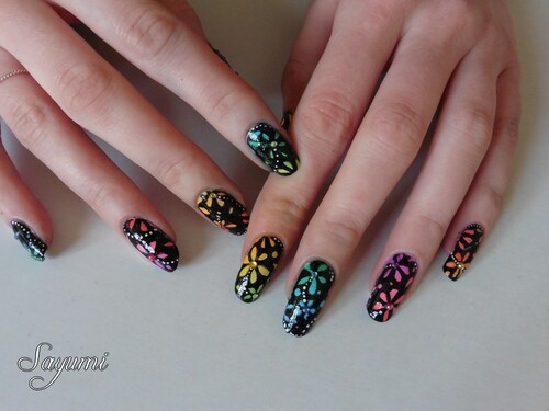 Nail Art Dégradé multicolore fleuri