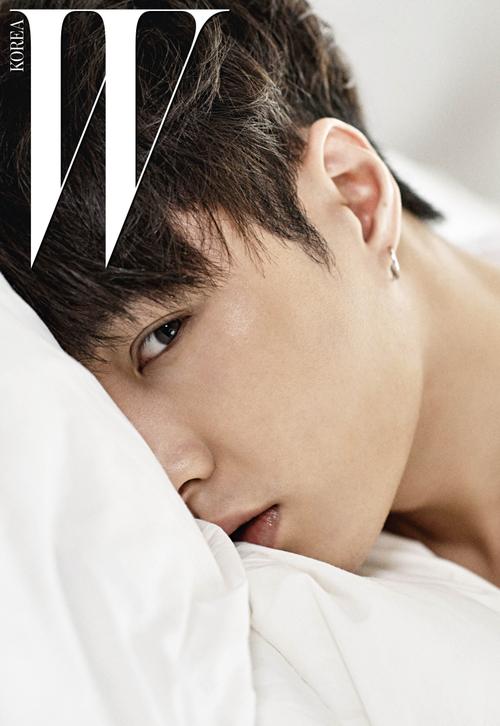 Exo pour W Magazine