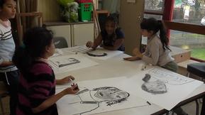Les élèves de CM1 à l'école d'arts plastiques