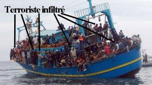 Manuel Valls discute quotas de migrants, l'Etat islamique les infiltre