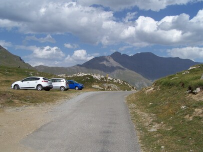 Parking route du Petit Mont Cenis
