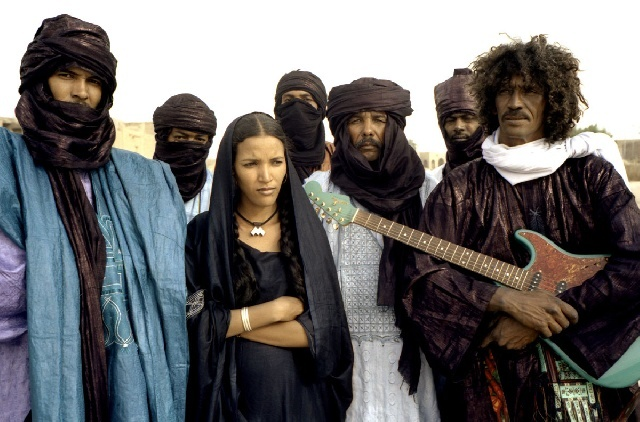 "Le disque du jour : Tinariwen, ""Live in London""/Group Inerane, ""Guitars from Agadez"""