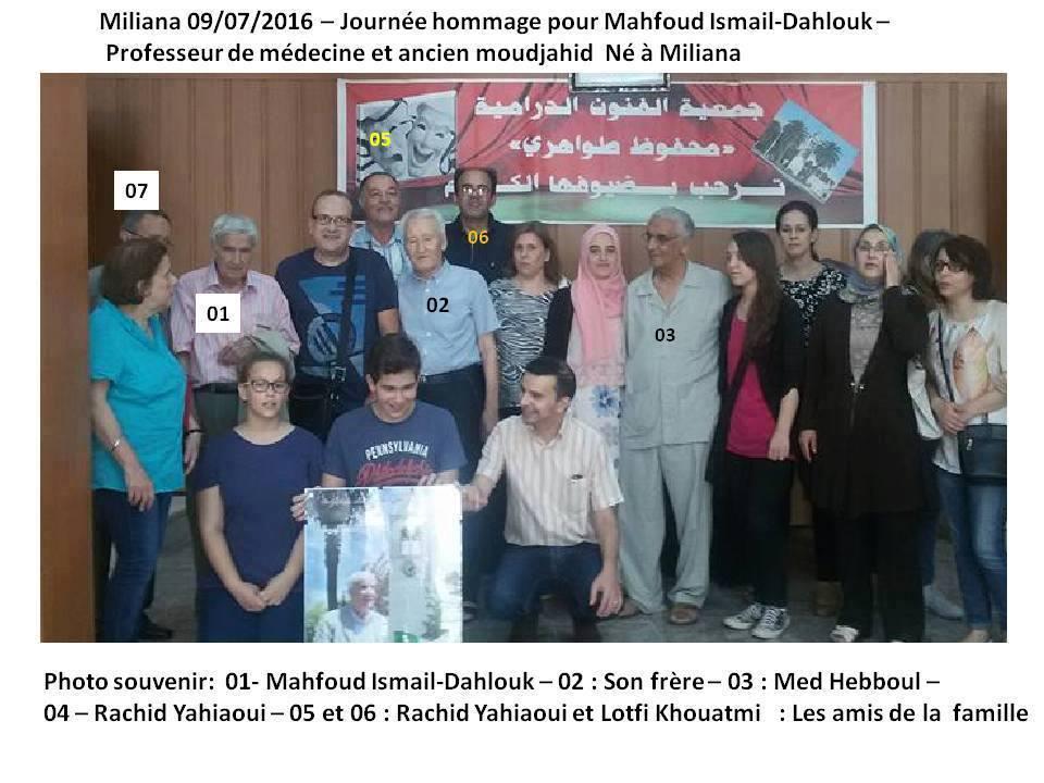 L'image contient peut-être: 13 personnes, personnes debout et texte