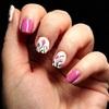 Nail art floral à l'aquarelle