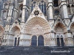 E 27 de Bourges à Charost