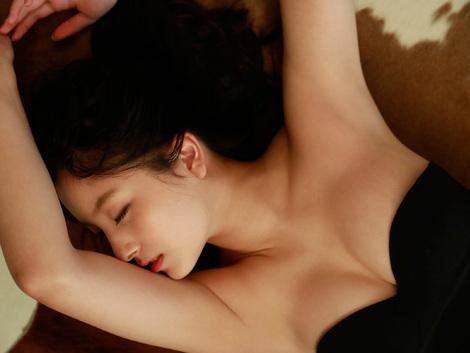 WEB Gravure : ( [FLASHデジタル写真集/Digital photograph collection] -  2019.03.29  Nana Owada/大和田南那 : 背伸びしたいころ )