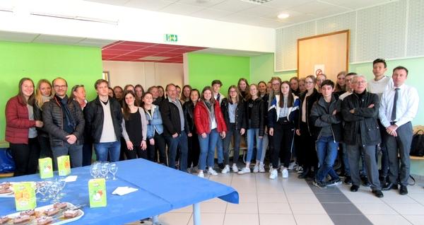 Les jeunes lycéens du lycée de Stuttgart ont été accueillis par les éllèves du Lycée Désiré Nisard  de Châtillon sur Seine