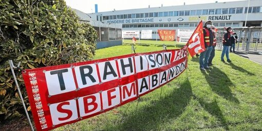 Mardi 23 mars, près d'un millier de personnes se sont réunies sur le parking de la Fonderie de Bretagne, à l'appel de la CGT, pour dénoncer « la trahison de Renault », qui a annoncé vouloir se séparer