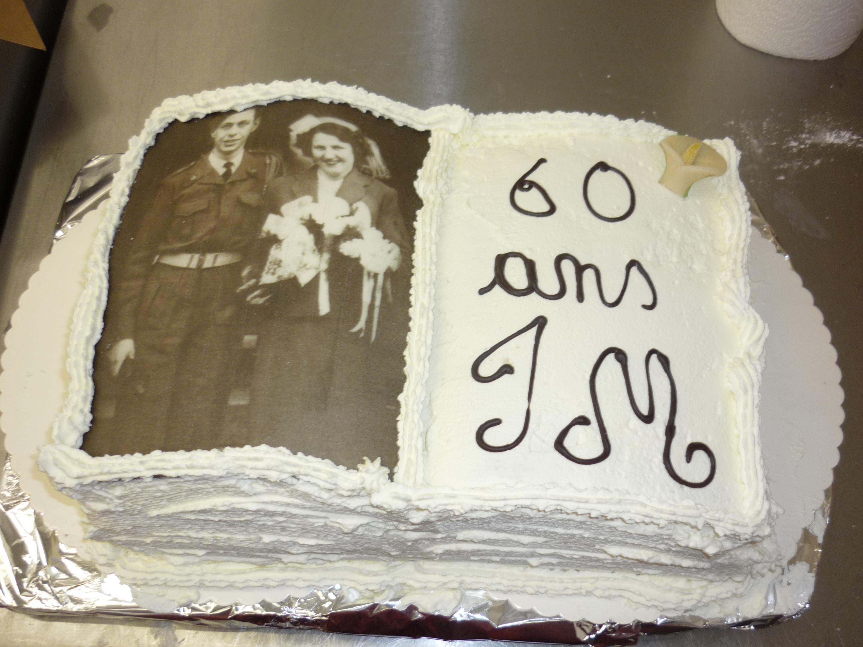 Un Petit Gateau Pour Le 60e Anniversaire De Mariage De Mes