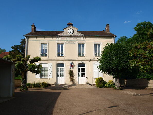 File:Leugny-89-mairie-04.jpg