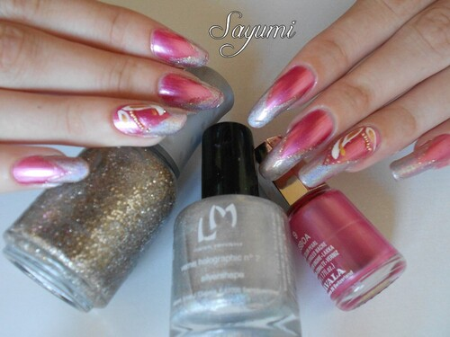 Nail Art Golden Leaves