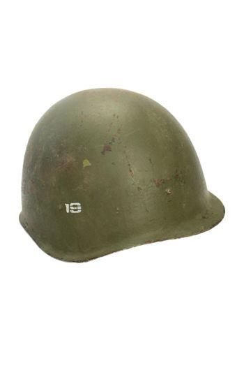 un casque de combattant soviétique