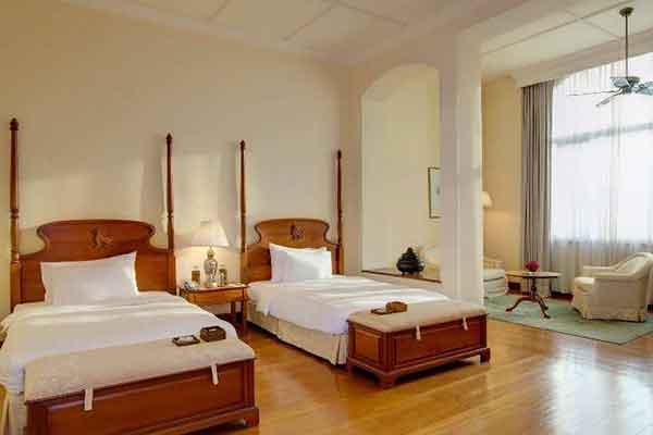 the-strand-hotel-yangon-1