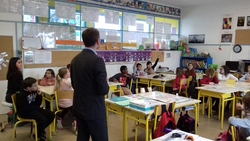 Les CM1 invitent un banquier dans leur classe !