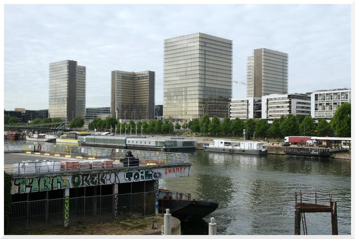 Flâner à Paris. Quai de Bercy.